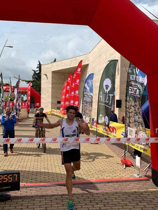 Trail delle 5 Querce arrivo del vincitore Vito Perta